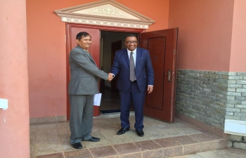 Ambassador C. B. Thapliyal calls on the Vice President of Comoros