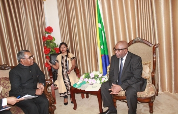 Presentation of Letters of Credentials by Ambassador of India to the Union of Comoros Shri Subdir Dutta to H.E. Mr. Azali Assoumani, President of the Union of Comoros, on 30 October 2017