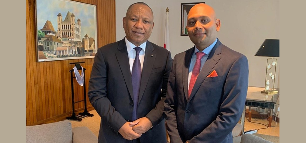 Ambassador with the Malagasy Prime Minister, HEM. Ntsay Christian before the Indian ships visit to Madagascar
