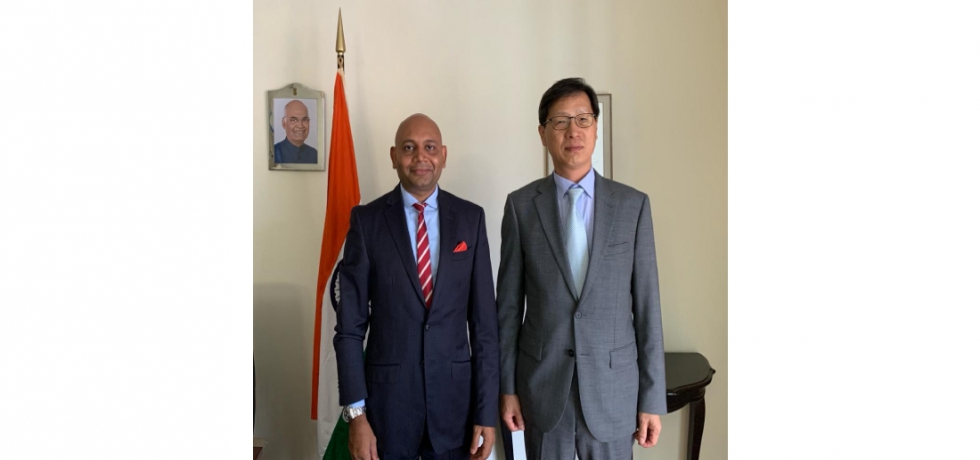 Ambassador Abhay Kumar had the pleasure of meeting H.E. Son Yong-ho, Ambassador of the Republic of Korea to Madagascar, Comoros and Mauritius. They exchanged views on issues of mutual interest.