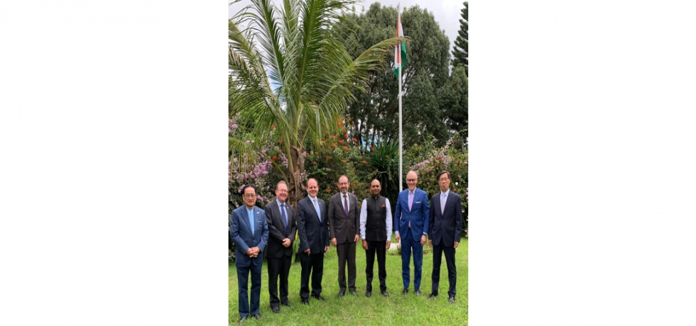 Ambassador Abhay Kumar had the pleasure of meeting Ambassadors of France, Germany, Japan, South Korea, UK and USA in Madagascar.  They exchanged views on areas of mutual interest.