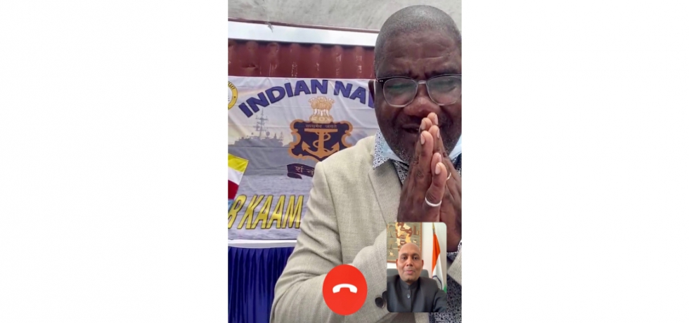 Ambassador Abhay Kumar had a video call with H.E. Dhoihir Dhoulkamal, Hon'ble FM of Comoros during the handing over ceremony of 1000 tonnes of rice brought by Indian Navy  ship Jalashwa. FM thanked Government of India for this generous support calling Indians and Comorians as brothers.