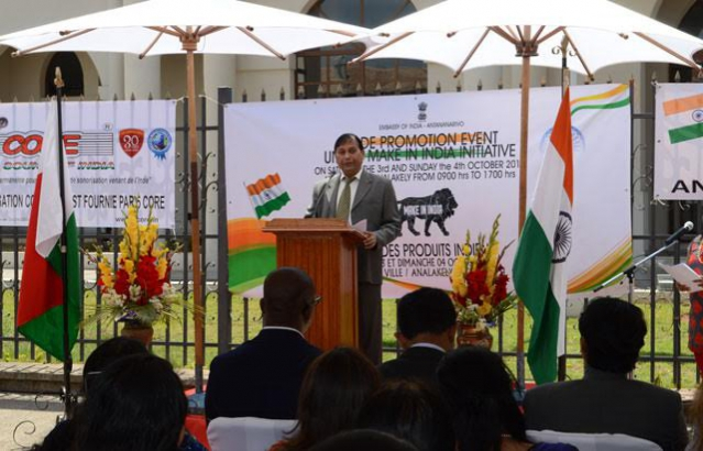 INDIAN-AMBASSADOR-AT-OPENING CEREMONY OF TRADE PROMOTION EVENT