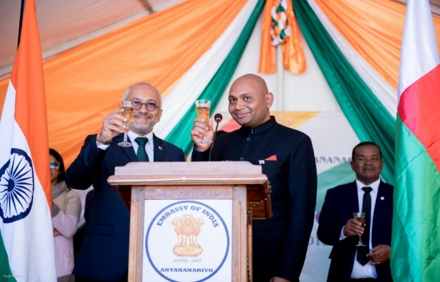 Toast for the betterment of cooperation India - Madagascar